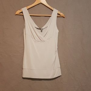 Tristan and Iseut gray v-neck tank top